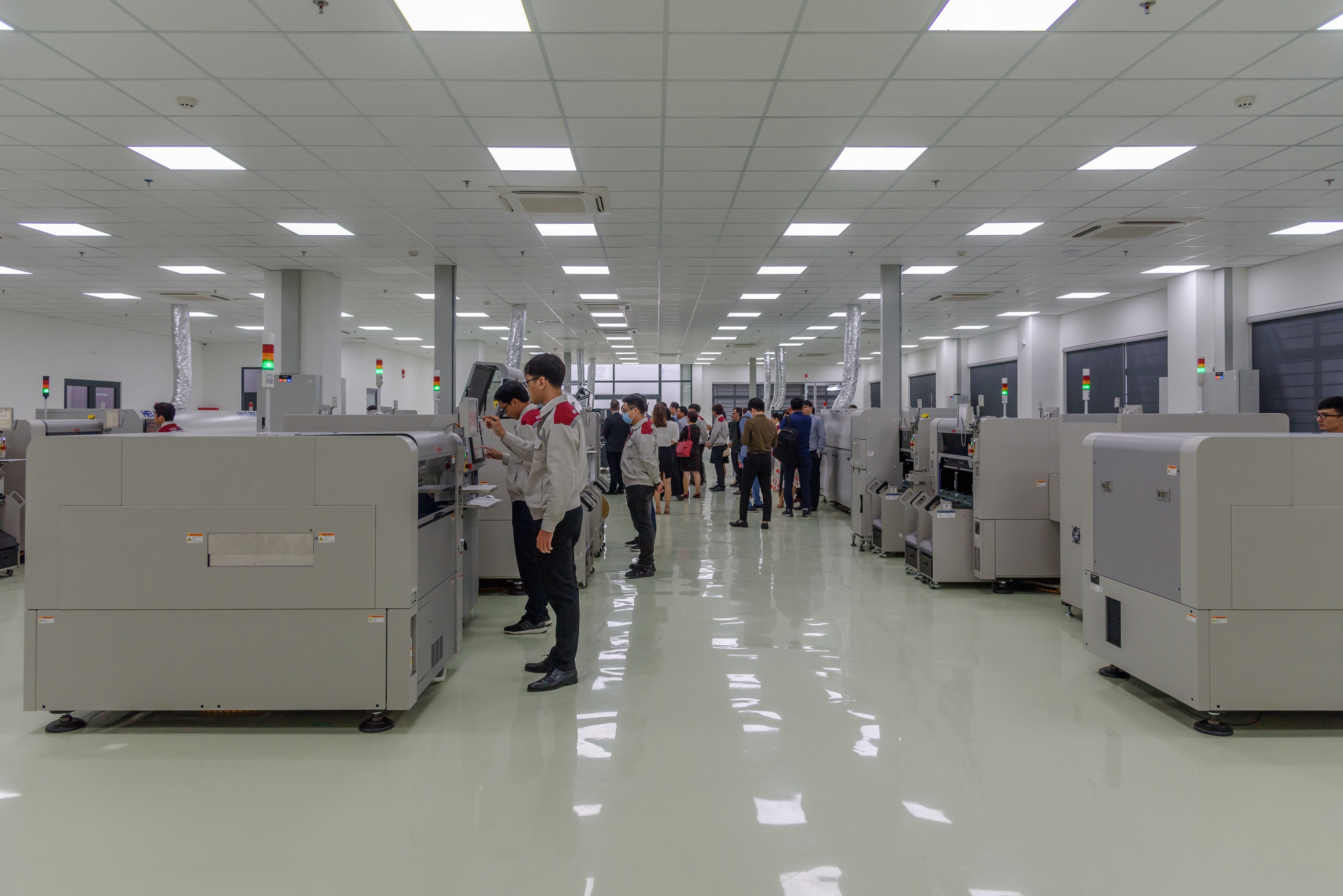 Specialized factory to research, manufacturing & assemble high-tech SMT